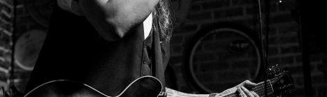 Música en viu: Alex Zayas a El Paraigua
